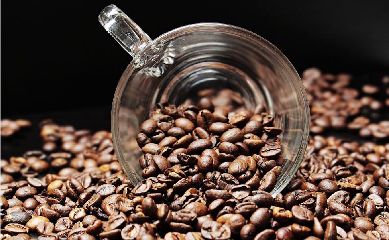 Prečo nevyhadzovať kávu do koša